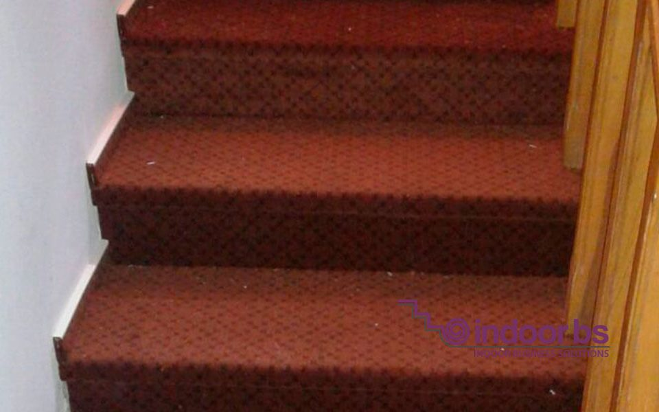 Montaj mocheta scari Indoor-Business-Solutions